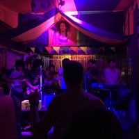 Das Foto wurde bei Roots Rock Reggae von qhaii am 4/2/2017 aufgenommen
