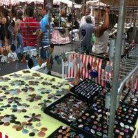 Photo taken at Feira de Artes e Artesanato de Belo Horizonte (Feira Hippie) by Gabriel B. on 10/7/2012