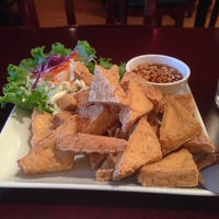 Photo taken at Vanida Thai Kitchen by Romeo Q. on 9/3/2014