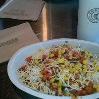 Photo taken at Chipotle Mexican Grill by ~~tAmYrA~~ ☆. on 11/15/2012
