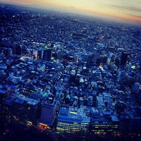 Photo taken at North Observatory, Tokyo Metropolitan Government Building by Tingpeng H. on 3/12/2013