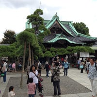 Photo taken at Shibamata Taishakuten (Daikyo-ji Temple) by kaerugeko on 10/8/2012