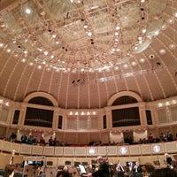 5/12/2013 tarihinde Dan G.ziyaretçi tarafından Symphony Center (Chicago Symphony Orchestra)'de çekilen fotoğraf