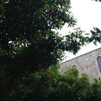 Das Foto wurde bei Jardins de Rubió i Lluch von Kriss V. am 4/14/2013 aufgenommen