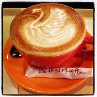 Photo taken at 怡客咖啡 Ikari Coffee by Naiyana T. on 10/13/2012