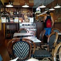 Photo prise au Newberry Bros. Coffee par Linda P. le6/7/2015
