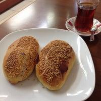 Photo taken at Bilgeoğlu Baklava by Kadir T. on 4/1/2016