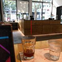 8/29/2017 tarihinde Hugh L.ziyaretçi tarafından La Marzocco Cafe'de çekilen fotoğraf