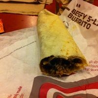 Photo taken at Taco Bell by Sunny P. on 1/10/2013