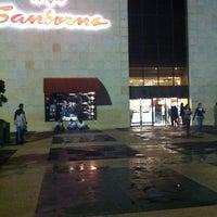 Foto tomada en Sanborns por SanDrita H. el 10/7/2012