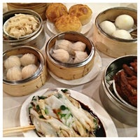 Photo taken at Pine Court Chinese Bistro by Helen T. on 6/16/2013