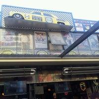 7/4/2013 tarihinde Kübra K.ziyaretçi tarafından Big Yellow Taxi Benzin'de çekilen fotoğraf