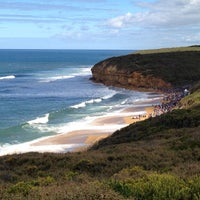 Photo taken at Bells Beach by Kyoko B. on 3/29/2013