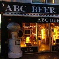 Photo prise au Alphabet City Beer Co. par Dale T. le6/8/2013