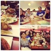 Photo taken at Max's Restaurant by Raschelle d. on 11/24/2012