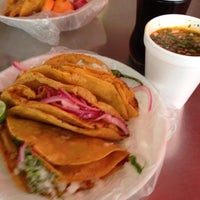 Photo taken at Tacos El Güero Transito by Carlos B. on 8/21/2013