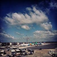 """Foto diambil di Aeroporto Roma Fiumicino """"Leonardo da Vinci"""" (FCO) oleh Alex♌️ pada 9/16/2012"""