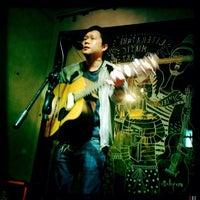 Photo prise au The Pigeonhole par Little O. le12/21/2012