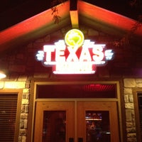 Photo taken at Texas Roadhouse by Freddy Q. on 1/19/2013