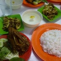 Photo taken at Warung Suroboyo by Aditya R. on 9/29/2012