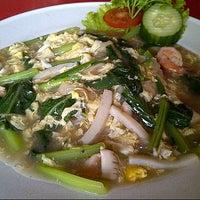 Photo taken at Bakmi Ayam & Chinese Food AKAI by bertina h. on 12/9/2012