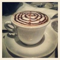 Foto diambil di Scaramella's Restaurant oleh Tasha S. pada 12/9/2012