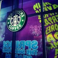 Photo taken at Starbucks by Yulichka R. on 4/26/2013
