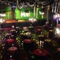 Foto scattata a Varsity Theater & Cafe des Artistes da Coness il 11/24/2013