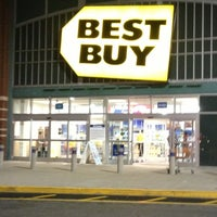 Photo taken at Best Buy by Craig B. on 11/29/2012