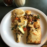 Photo taken at Round Table Pizza by OahuAJ on 3/2/2016
