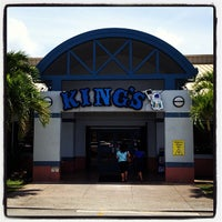 Photo taken at King's Restaurant by TIP TOP M. on 4/5/2013