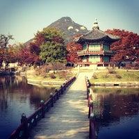 Photo taken at Gyeongbokgung by Jonathan C. on 10/27/2013