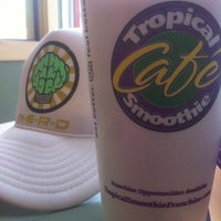 Photo taken at Tropical Smoothie Cafe by Glenn F. on 8/6/2013