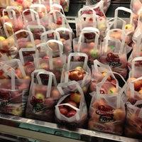 11/22/2012 tarihinde Beth R.ziyaretçi tarafından Riccardo's Market'de çekilen fotoğraf