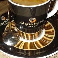 8/25/2013 tarihinde R. Gizem T.ziyaretçi tarafından Gloria Jean's Coffees'de çekilen fotoğraf
