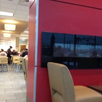 Photo taken at Wendy's by 🌻 Simply Char 🌻 on 12/28/2013