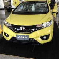 Photo taken at V. Group Honda Cars by Peezaa Mono L. on 5/28/2014