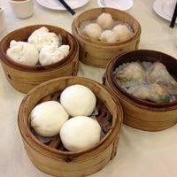 Photo taken at Fuk Yuen 福苑火鍋海鮮酒家 by Chin W. on 7/14/2013