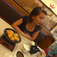 Photo taken at Sushi King by Nigel P. on 10/9/2016