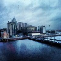 Das Foto wurde bei Москва City von Наталья Г. am 7/20/2013 aufgenommen