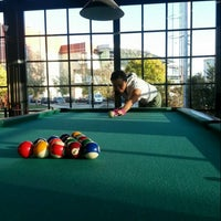 11/10/2013 tarihinde Ebru K.ziyaretçi tarafından Pool Pub'de çekilen fotoğraf