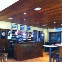 Photo taken at Café Girondino by Edemilson C. on 2/10/2013