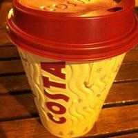 Foto tirada no(a) Costa Coffee Metropolitan por Neni D. em 12/17/2012