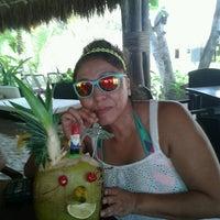 Foto tomada en Ziggys Beach Club por Tulum Living M. el 6/23/2013