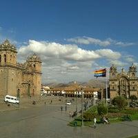 Foto tomada en Plaza de Armas de Cusco por Karen M. el 9/16/2012