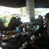 Photo taken at Borak kedai Kopi by Arif Y. on 9/15/2013