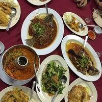 Снимок сделан в Restoran D' Coral Ikan Bakar Istimewa & Thai Seafood пользователем Capyqa 10/1/2016