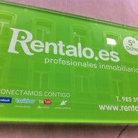 Foto tomada en Rentalo Profesionales Inmobiliarios por Eva R. el 2/19/2013