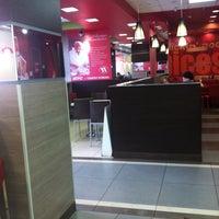 Photo taken at KFC by Илья 🐍 Щ. on 2/22/2013