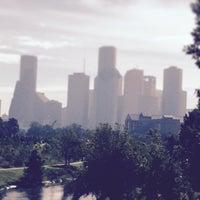Снимок сделан в Buffalo Bayou Park пользователем David S. 9/26/2014